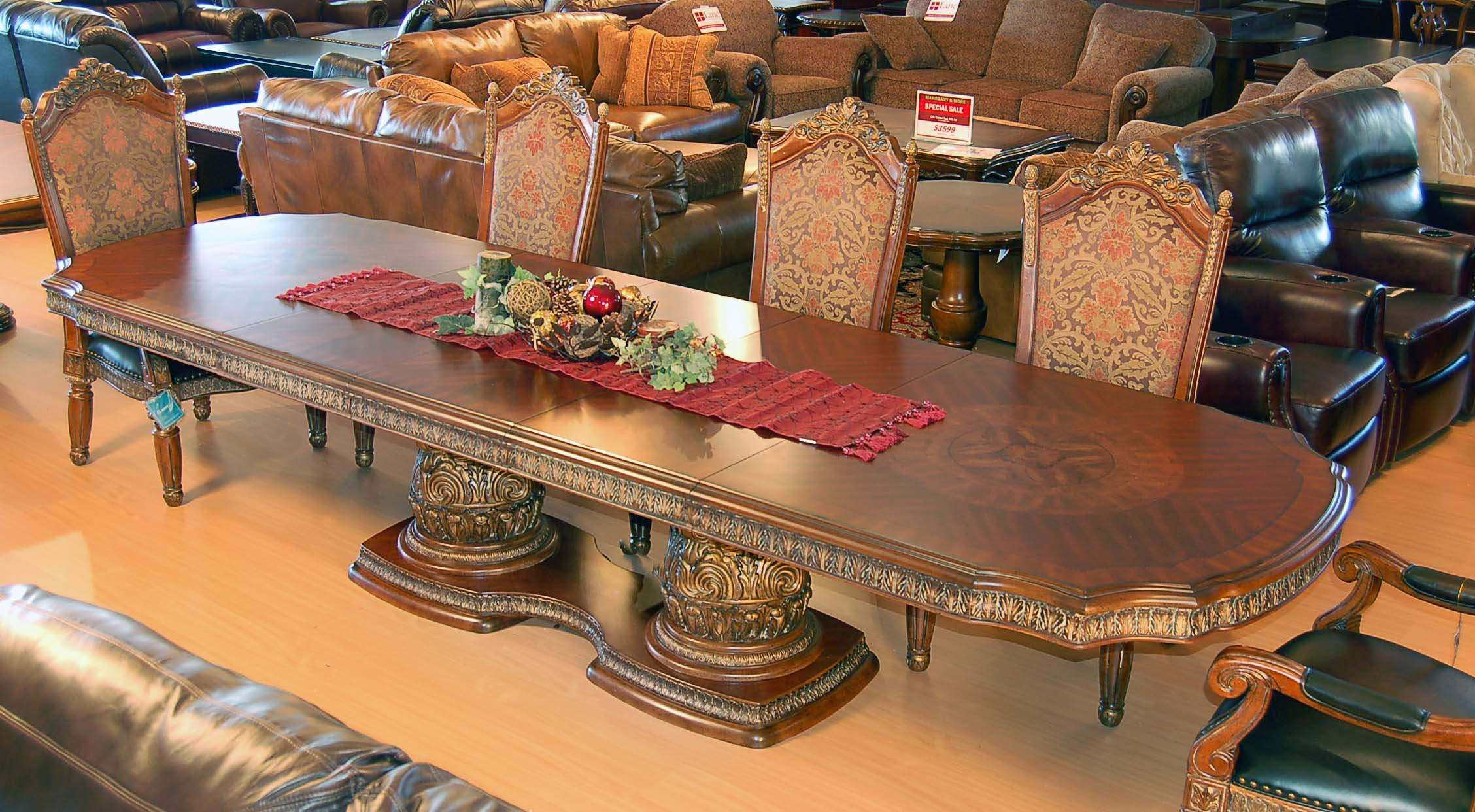 Dining table fine dining table set ups for Fine dining table setting