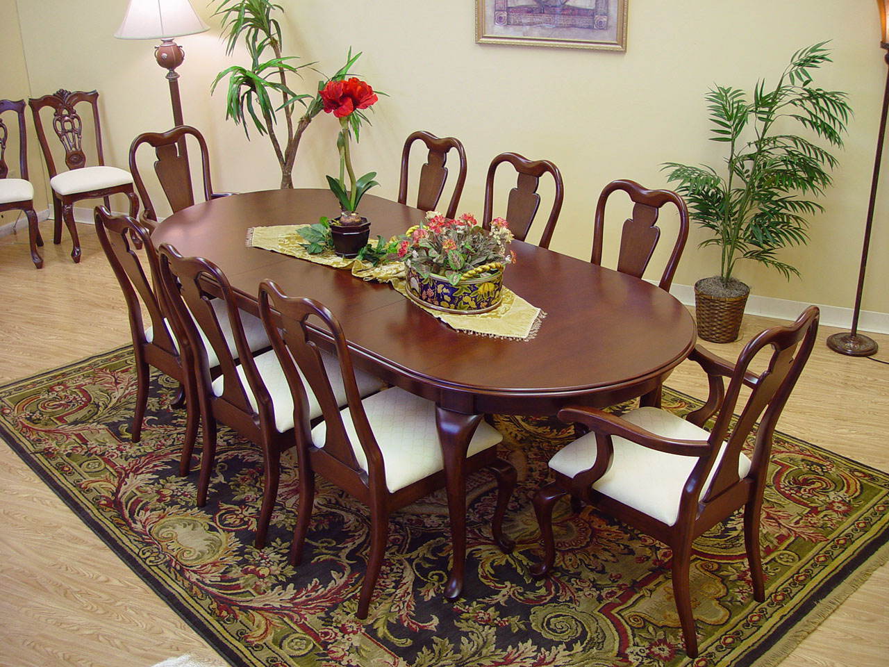 9 Piece Classic Queen Anne Mahogany Dining Table And Chair