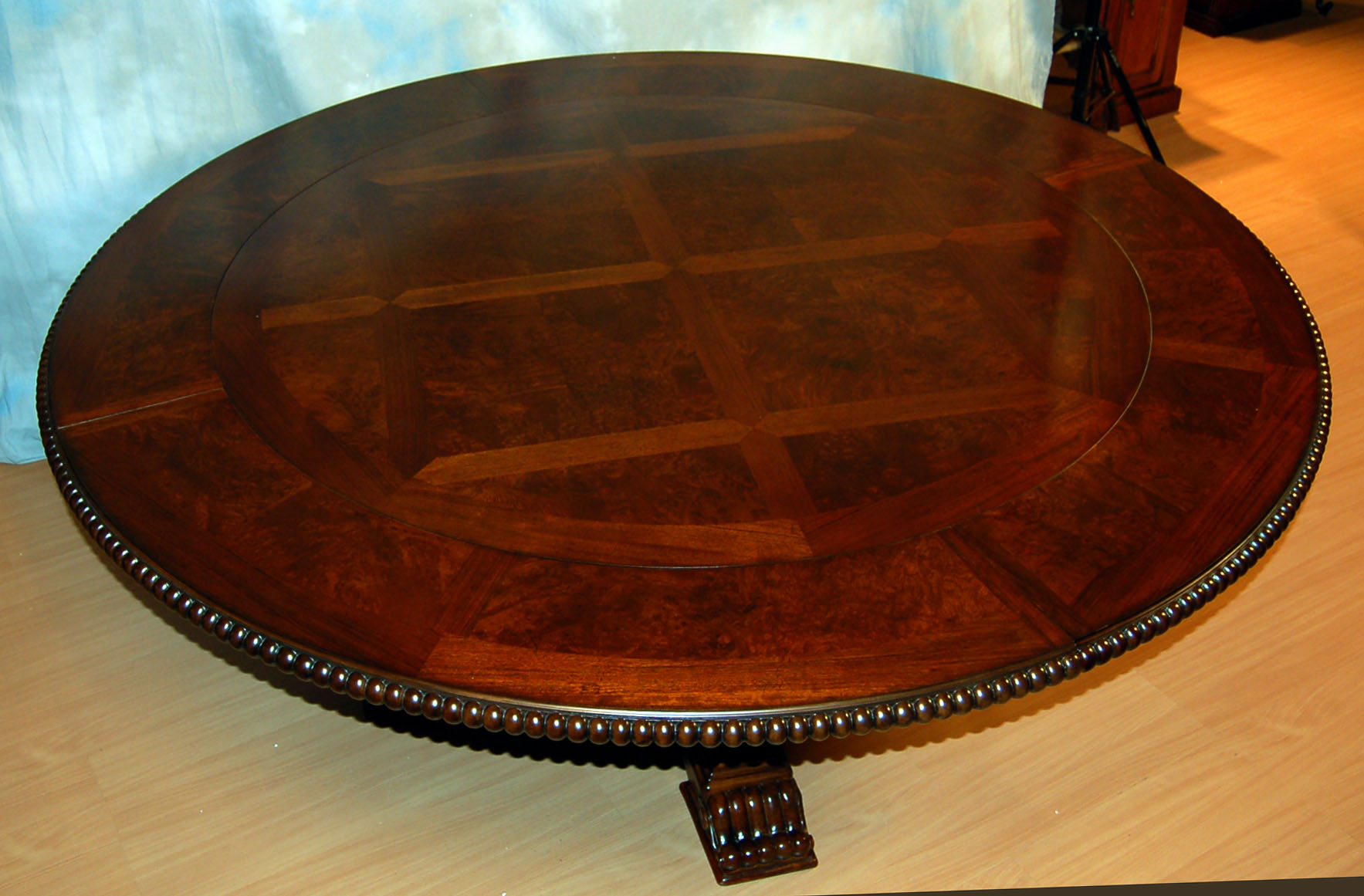 round dining table with concentric leaves images